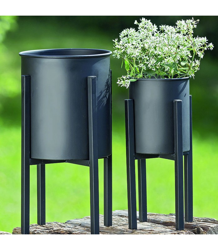 set de 2 cache pots sur pied en m tal noir. Black Bedroom Furniture Sets. Home Design Ideas